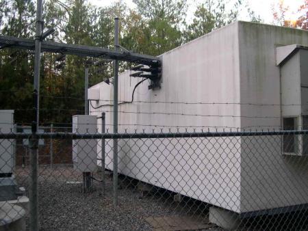11.5 x 33 Fiberglass with generator